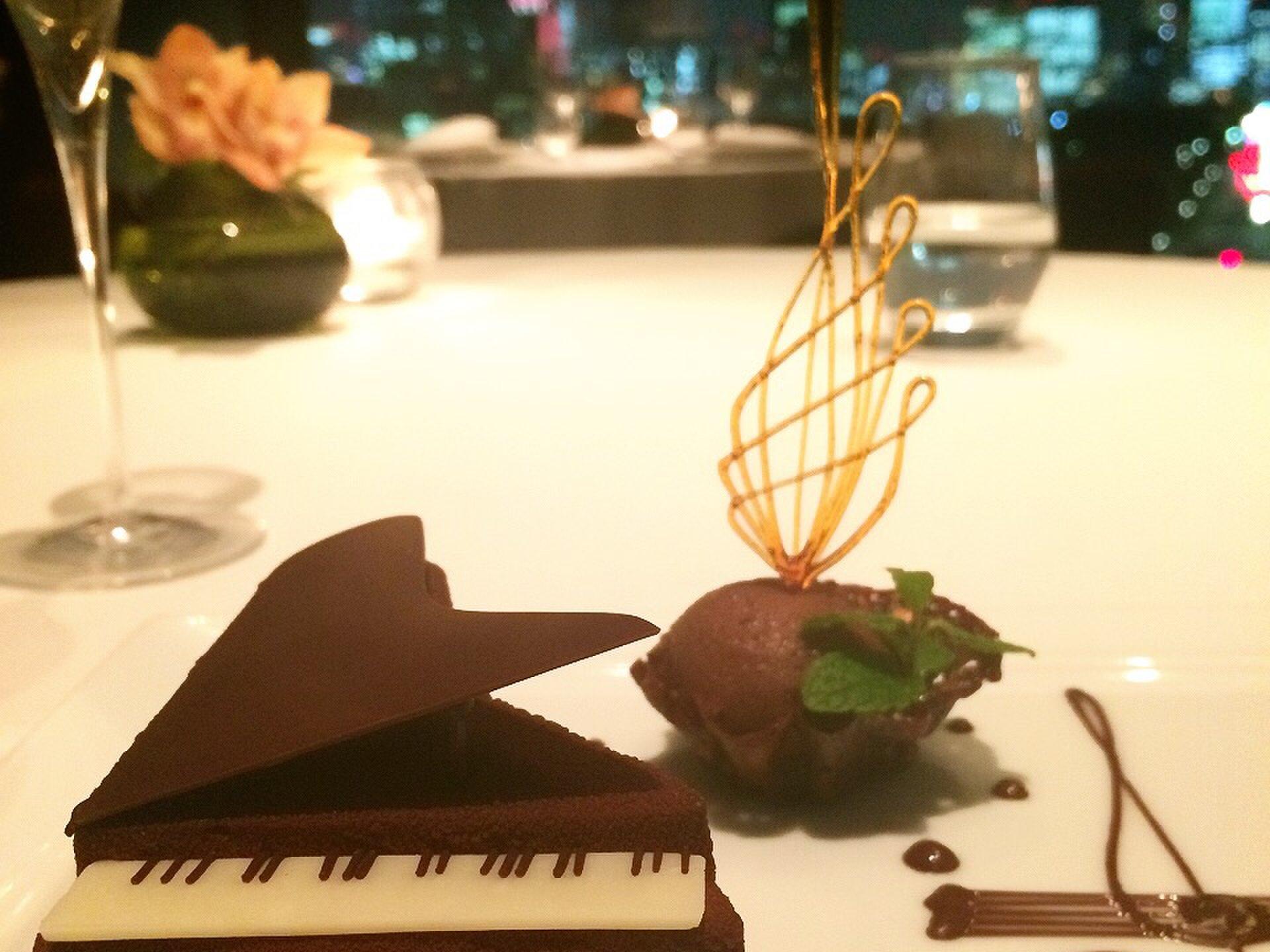 【東京都内で特別なデートをしたいあなたへ♡】デートの頻度が少ないからこそ、彼氏とちょっぴり贅沢ディナーしませんか?