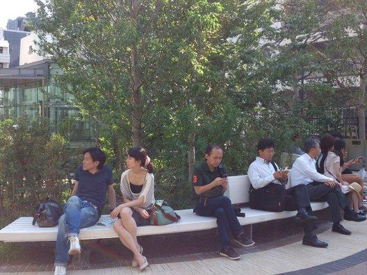 虎ノ門ヒルズ オーバル広場