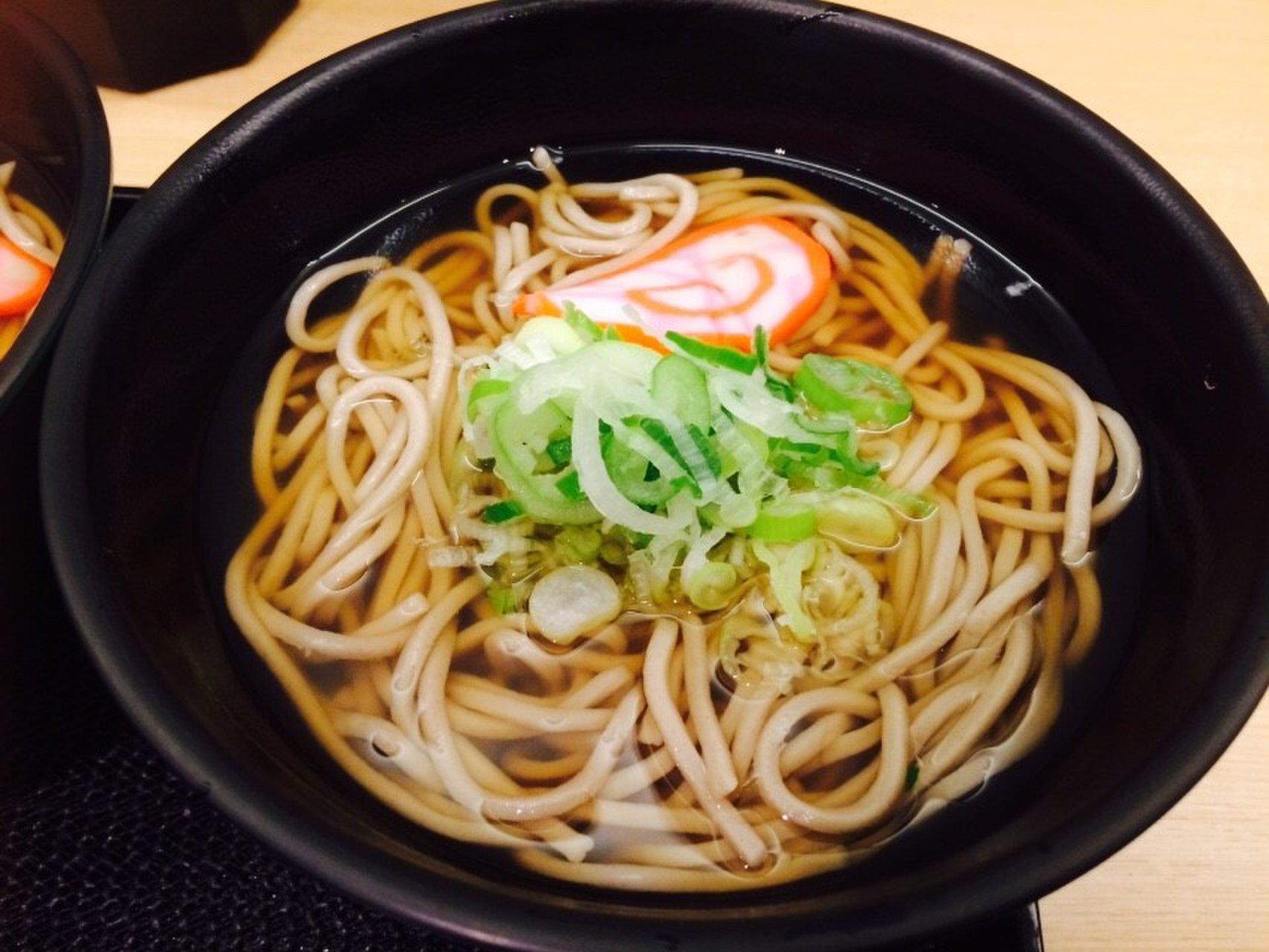 金沢駅でおすすめ蕎麦屋「白山そば」昔からの人気立ち食いそば屋♡