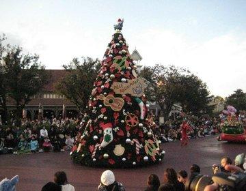【はじめてのディズニーランドクリスマスデートに必見!】迷ったらそぼろ丼とパレードとツリーを!