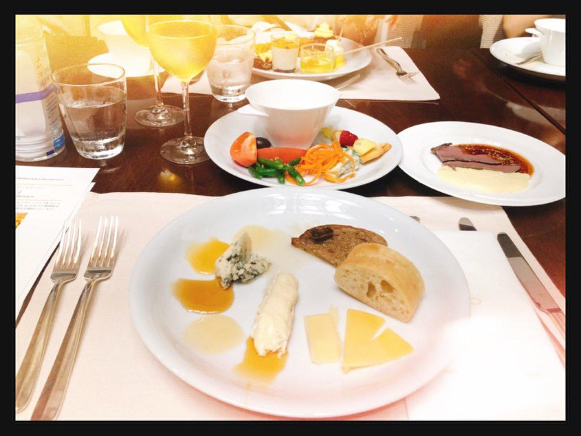 チーズと蜂蜜に心の底から癒された〜い!ホテルでハニーハントしちゃう!?@品川ストリングス