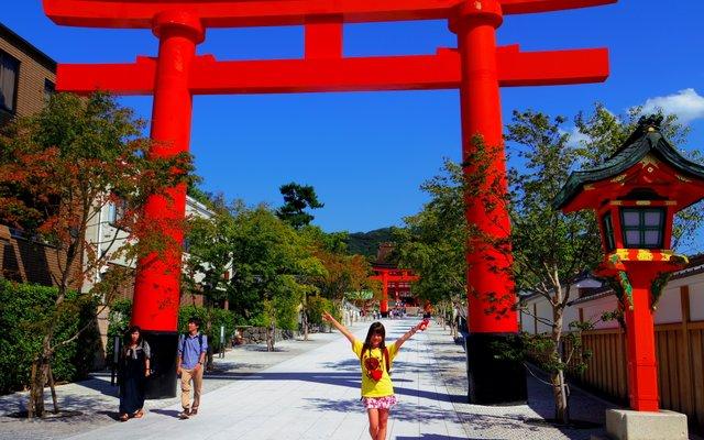 伏見稲荷大社 (Fushimi-Inari-Taisha Shrine)