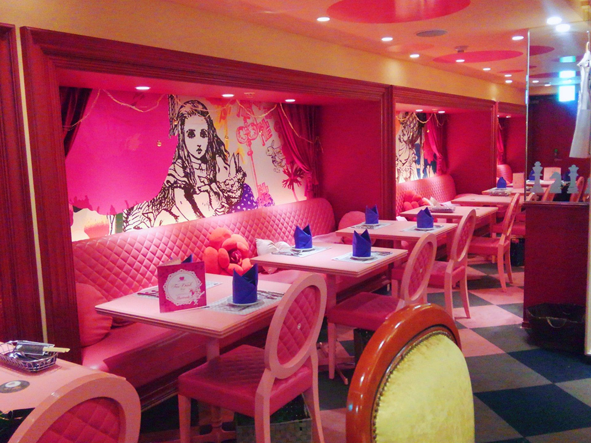 【東京】ファンタジー好きなら一度は行きたい「アリス」の世界をご紹介!