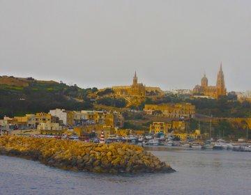 【マルタから30分】チタデル・タピーヌ教会・ファンガスロック!美しい島ゴゾ島の文化と自然を巡る