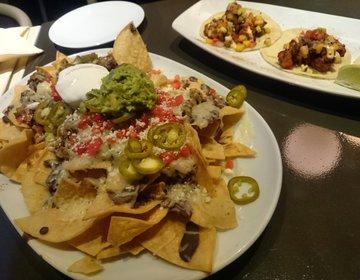 ワイキキのお洒落で美味しいメキシカンレストランならBOHO。ルーフトップで夜景綺麗!デートにも