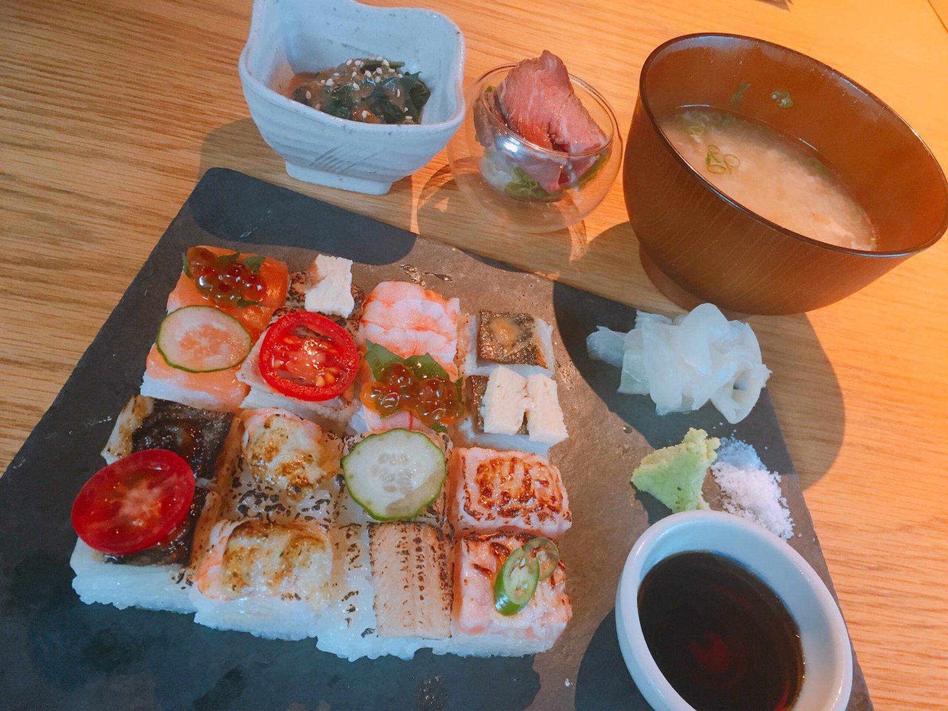 カナダ発のモザイク寿司が話題!渋谷の「KINKA」で土日限定フォトジェニックランチ。