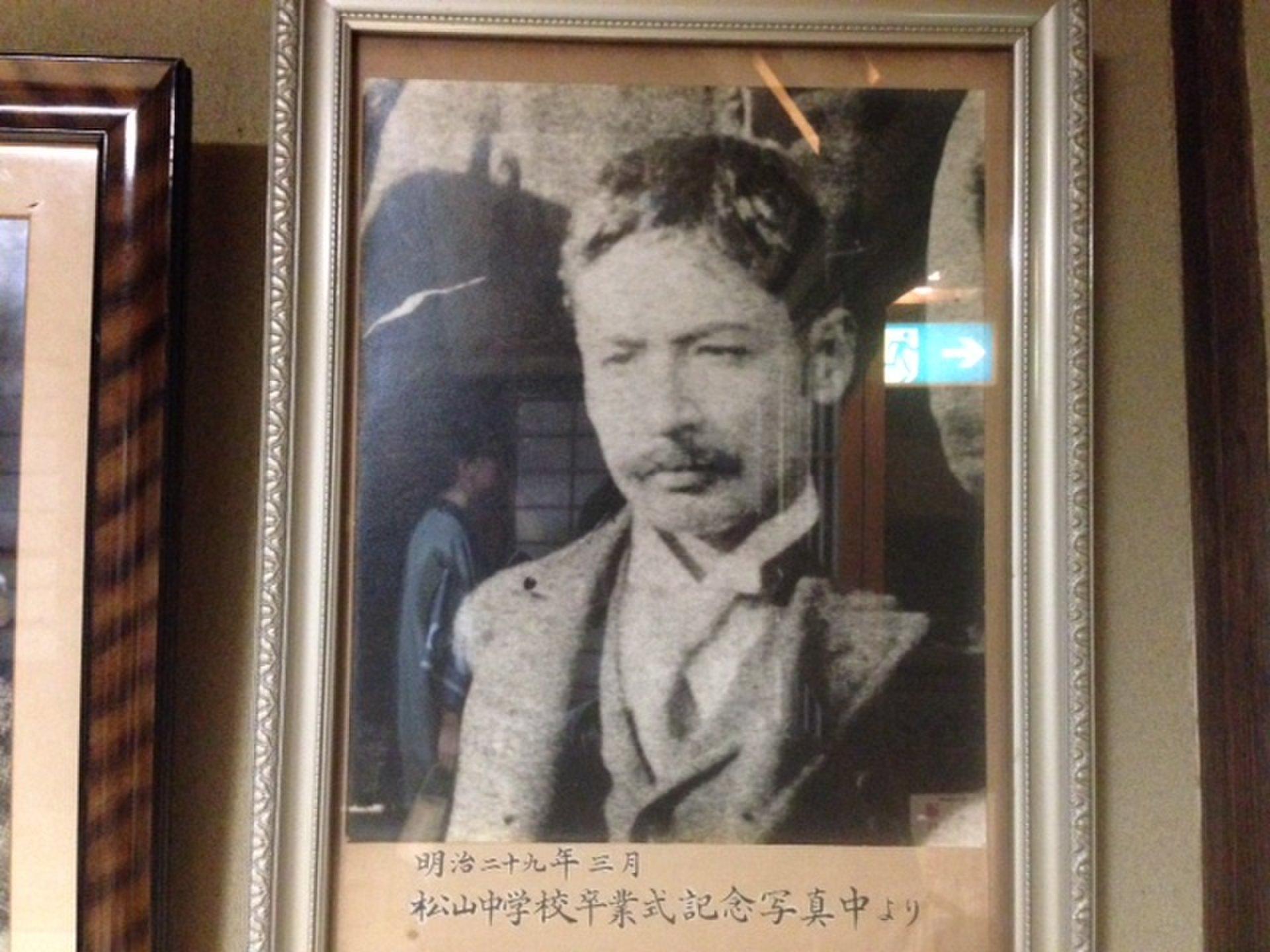 道後温泉で必見!若かりしイケメン夏目漱石先生(見合写真も)鏡子奥様・マドンナに会える坊っちゃんの間