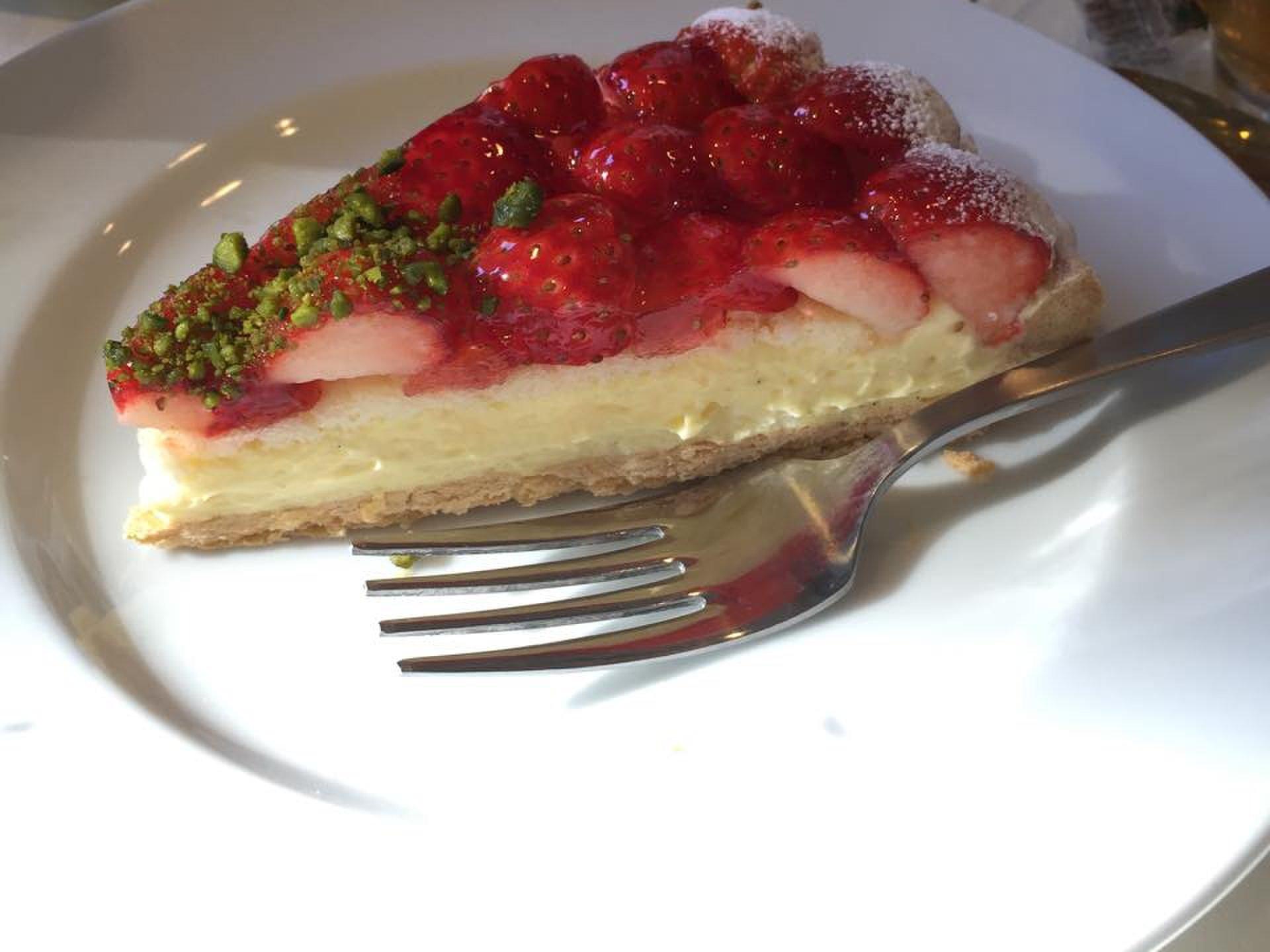 【新宿御苑のケーキ屋さん『フリップス』】旬の果物がたっぷり☆この時期はいちごのタルトオススメ♪