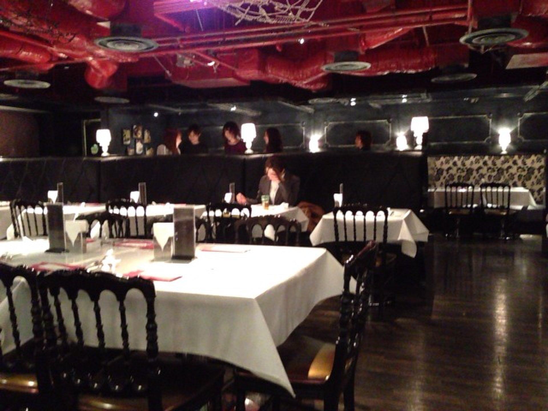新宿でディナーデートにおすすめ・大人気のコスパ最強ビュッフェ「ビタスイ」