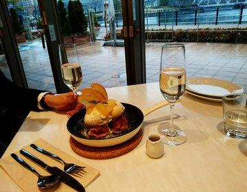 【横浜みなとみらいお洒落デート】シャンパンと夜景が安く楽しめるカフェ。 フレンチトーストも絶品!