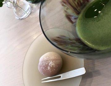 日用品としてのガラスアートを楽しめるカフェSghr cafe Aoyama。