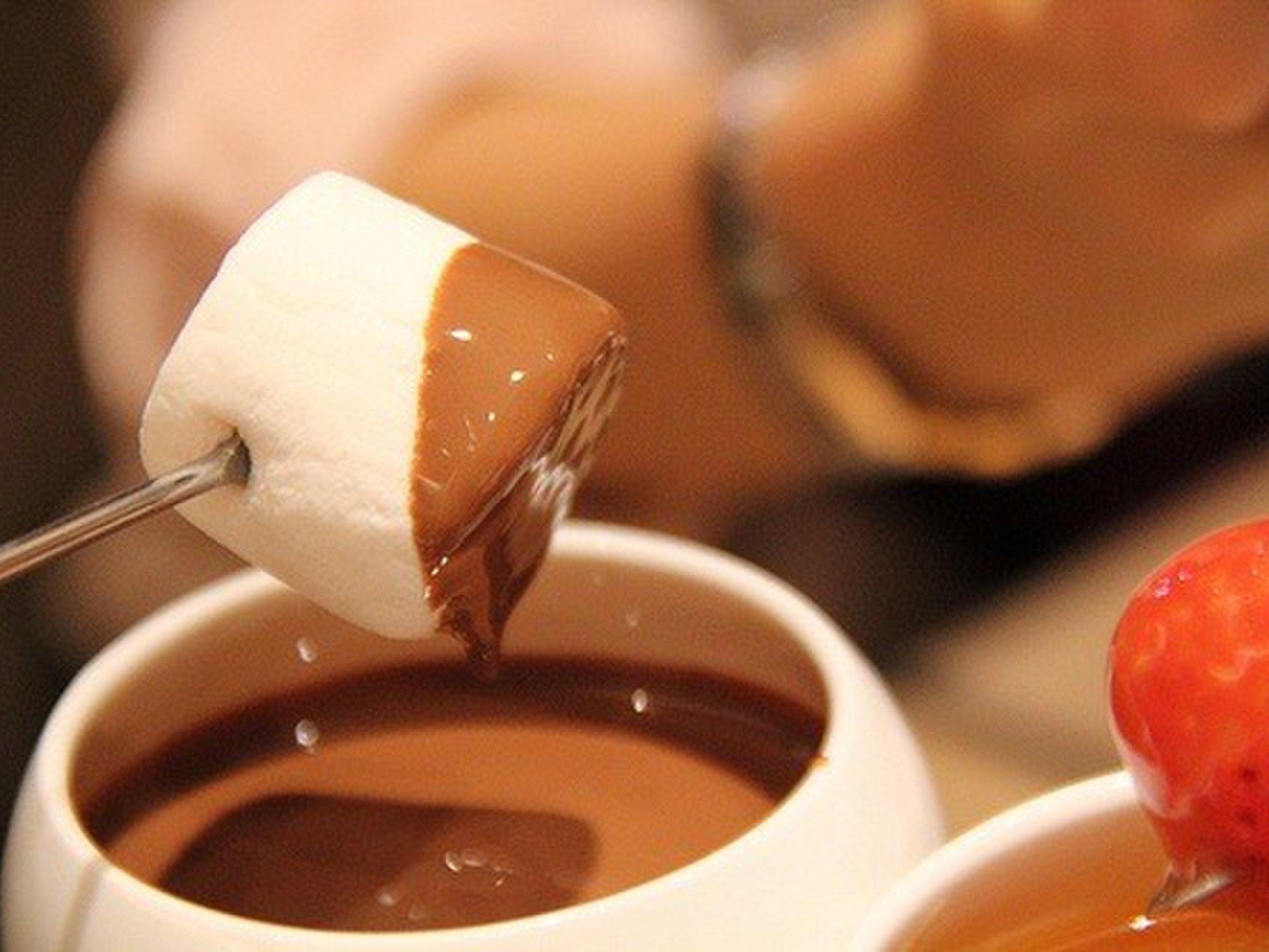 【ホワイトデーはすぐそこに】メンズ必見!彼女ウケ抜群のホワイトデーに使えるチョコレートカフェなど5選!