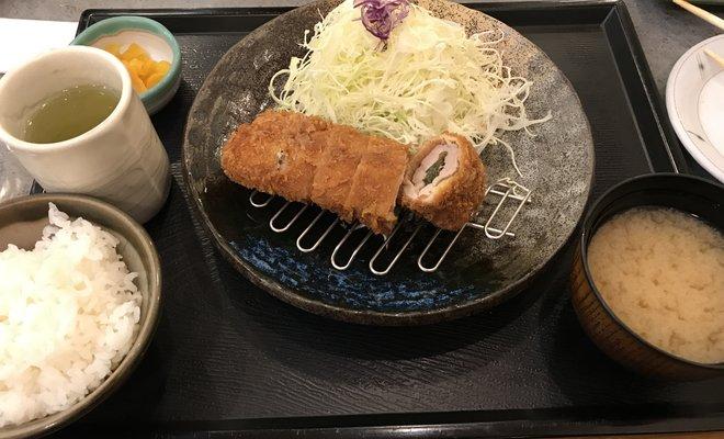ガスト 新宿靖国通店