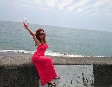 【絶景カフェ】七里ヶ浜を一望。大人気ランチ。快適な大人海デートならここ!