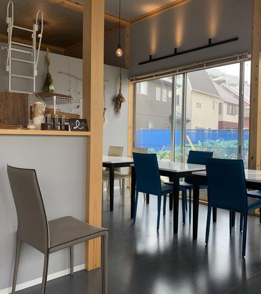 クールカフェ (Cour Cafe)