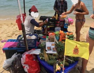 タイ・サムイ島 船のランチ屋さんでお買い物