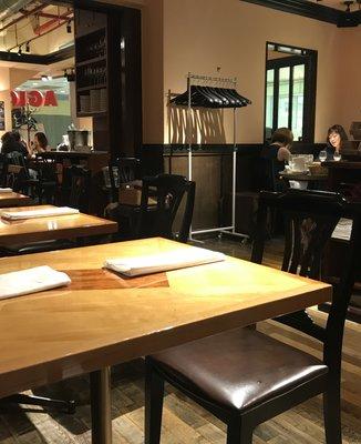 マーケットレストランAGIO 新宿店 (マーケットレストラン・アジオ)