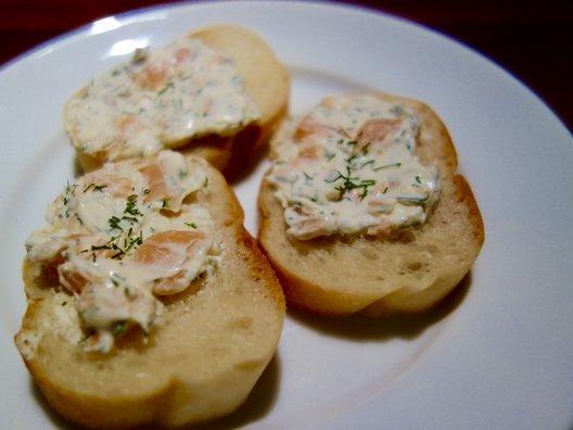 水戸チーズバル