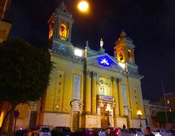 【夜のスリーシティーズを歩く】ヴィットリオ―ザを巡った後はマルタ伝統のウサギ料理を楽しもう