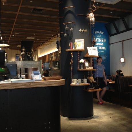 ワイアード キッチン アンド ニコ 横浜ベイクォーター店