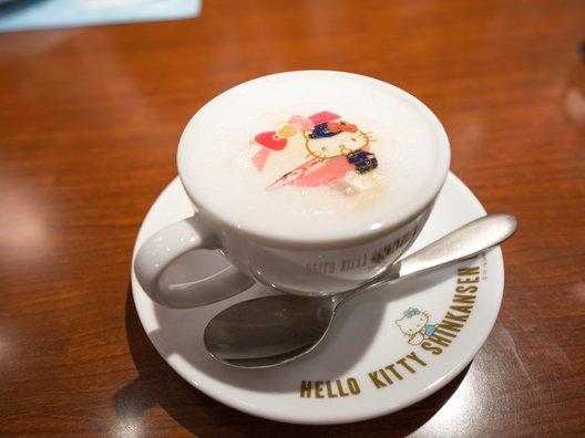 ハローキティ新幹線カフェ(カフェ・エスタシオン博多)