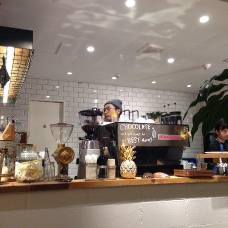 サタデイズ チョコレート ファクトリー カフェ