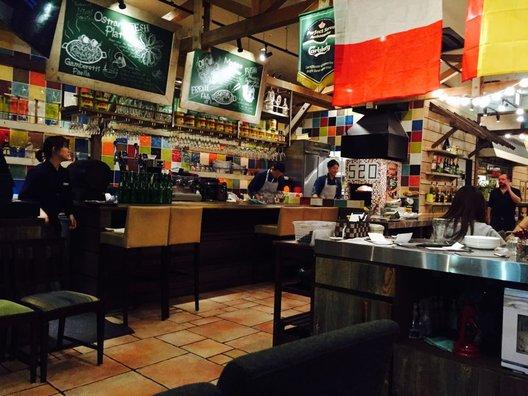 スパニッシュイタリアン Azzurro 520+caffe costa de terrazza 海浜幕張店 (アズーロ)