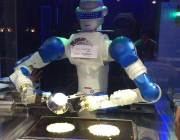 話題の『変なレストラン』の実態はロボットが調理をするなど最新テクノロジーが満載!