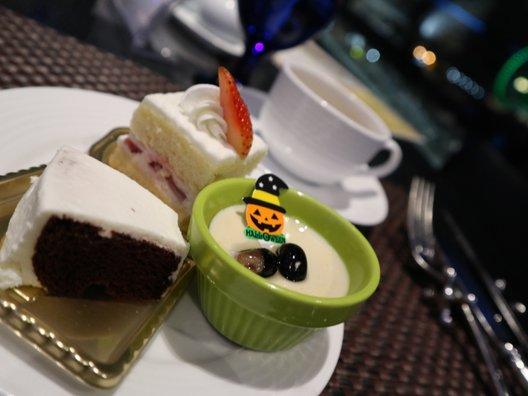 下町 DINING & CAFE THE sea (ザ シー)