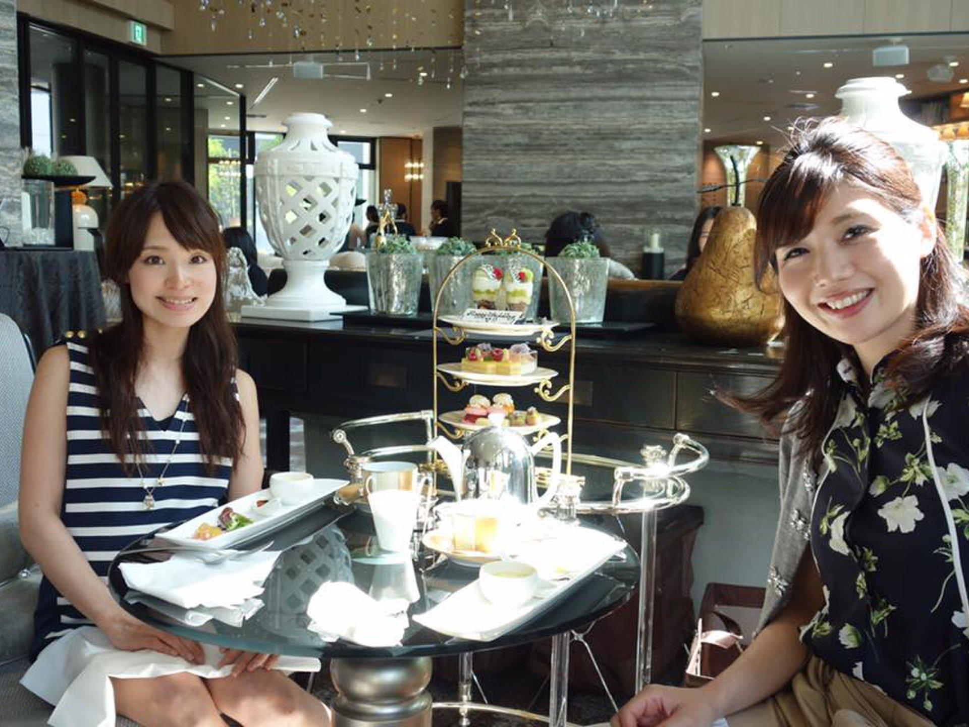 【トレンドに敏感な名古屋嬢ご用達】ラグジュアリーな空間でホテルアフターヌーンティー♪
