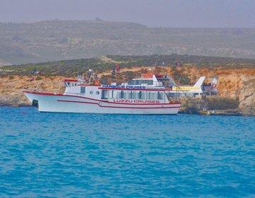 世界でもトップクラスの青さのブルーラグーンへ。マルタではコミノ島に行ってみよう。