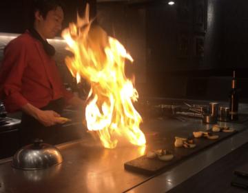 【なにこれ、魔法?】炎に包まれた黒毛和牛ちゃん♡いただきます。目黒にあるデートに使える鉄板焼き