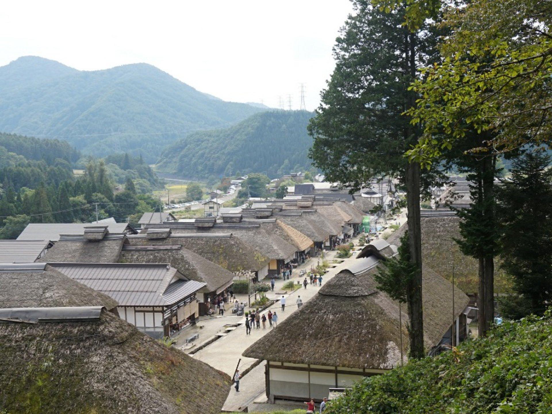 会津西街道の宿場町・大内宿で、江戸時代にタイムスリップ!名物ねぎそばなどおいしいグルメも!