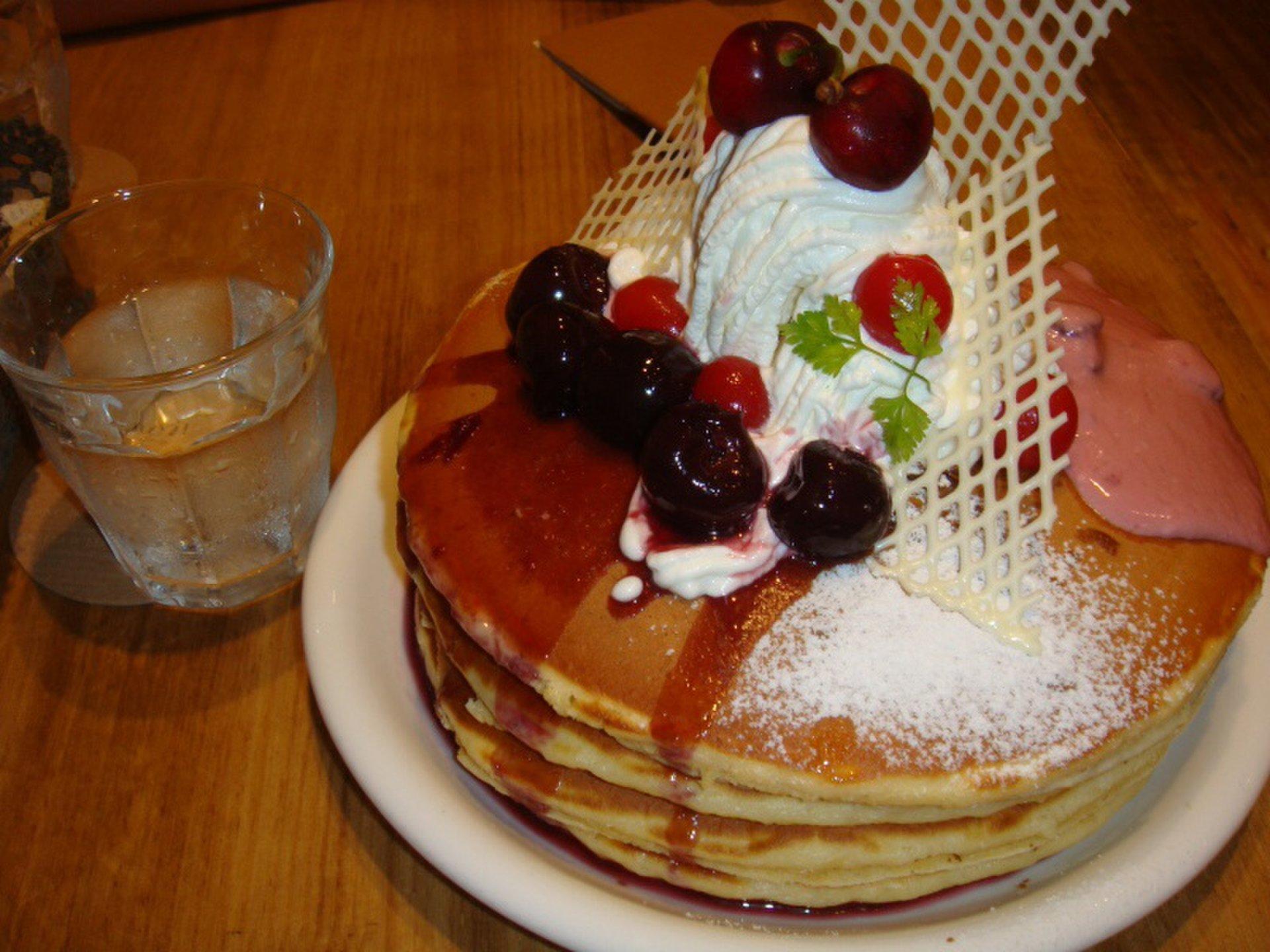 【待ち時間なしで食べれる!】みなとみらい、横浜で穴場な有名パンケーキ店5選!