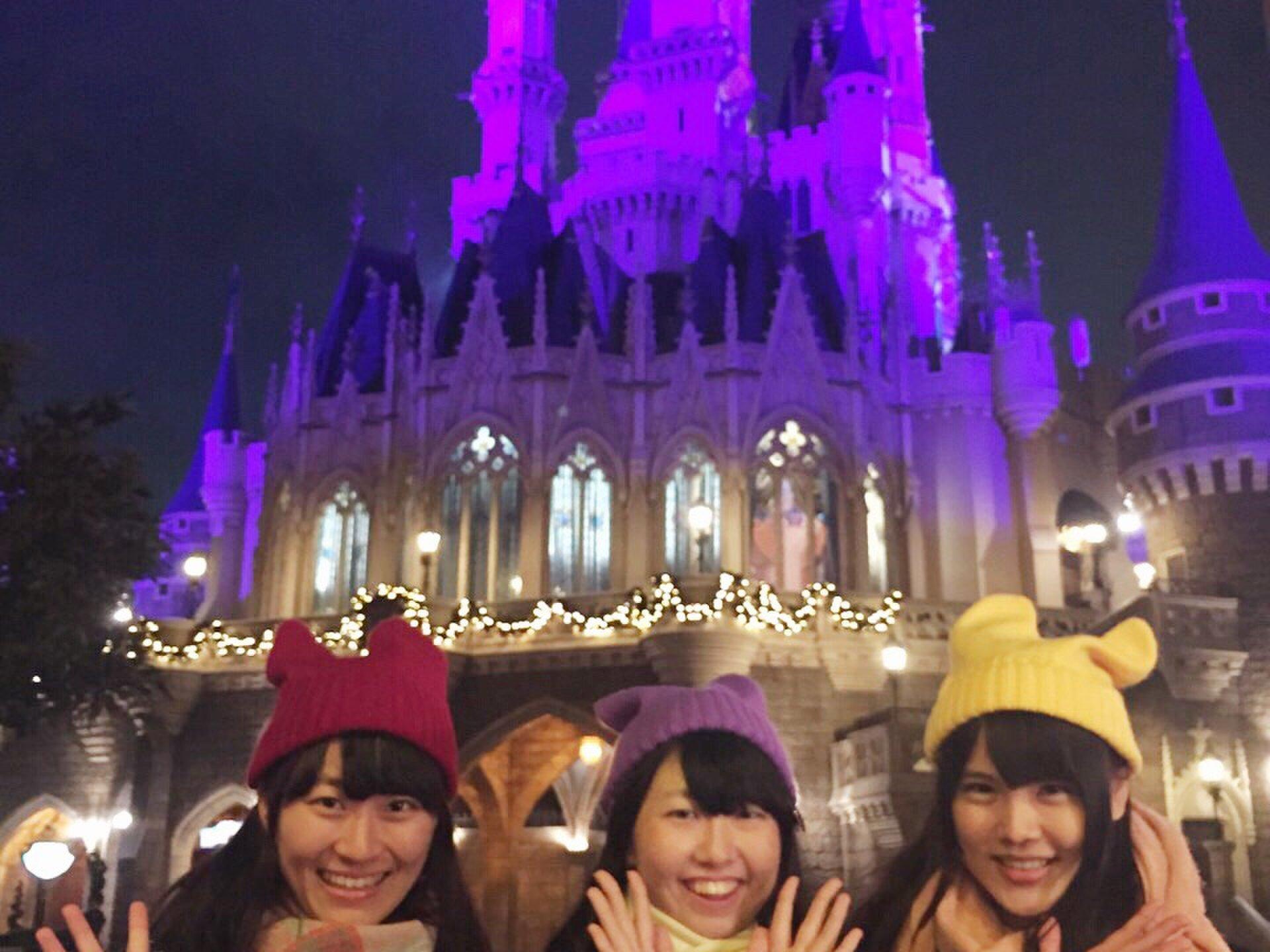 【アフター6を満喫】三つ子でおそろいコーデ、クリスマスディズニー女子会♡
