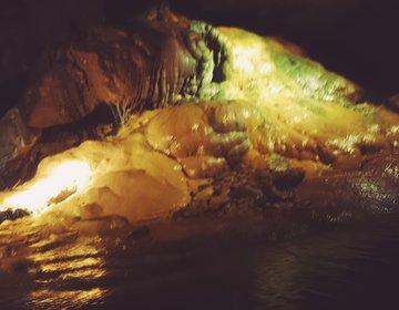 アメリカケンタッキー州で人気の洞窟探検!ブルーホールと大自然も満喫プラン