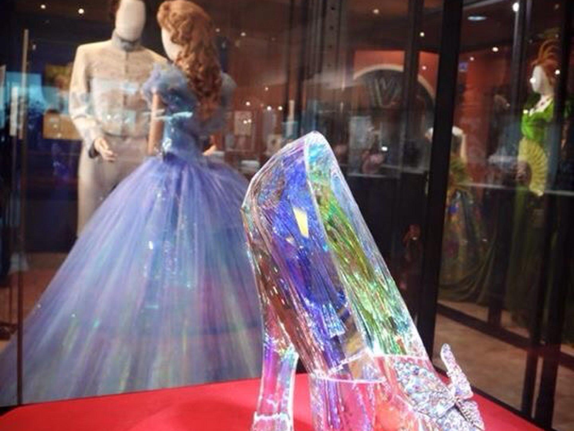 【期間限定!!】シンデレスのガラスの靴がステキすぎる!!シンデレラの映画公開に合わせた展示会へ☆