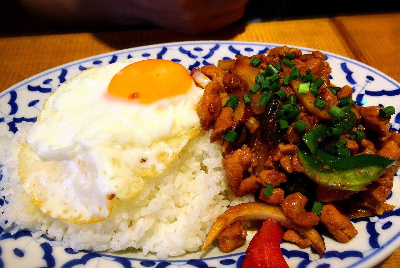 アジアン料理サティー