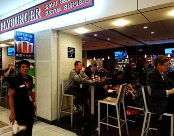 アトランタ空港でトランジット時におすすめ安め人気カフェ☆500円以下 Fly burger