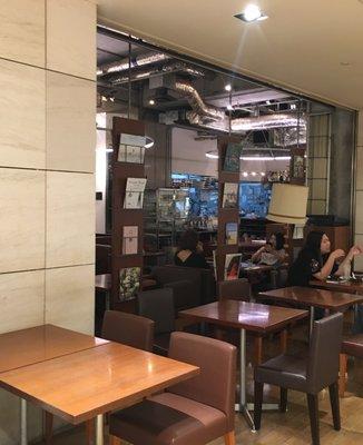 カフェ&ブックスビブリオテークショップ