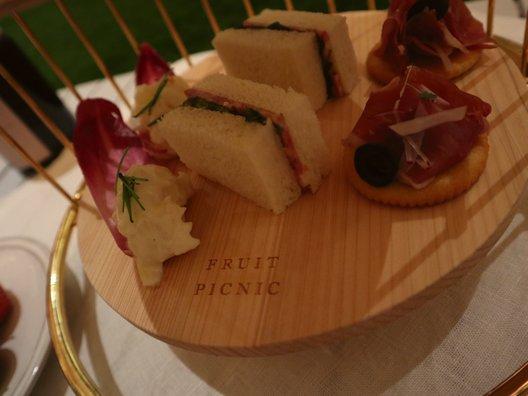 フルーツピクニック