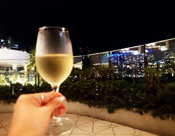 横浜でリゾート気分!お洒落に夜デートするならベイクォーターのここ!夜景&サービス◎