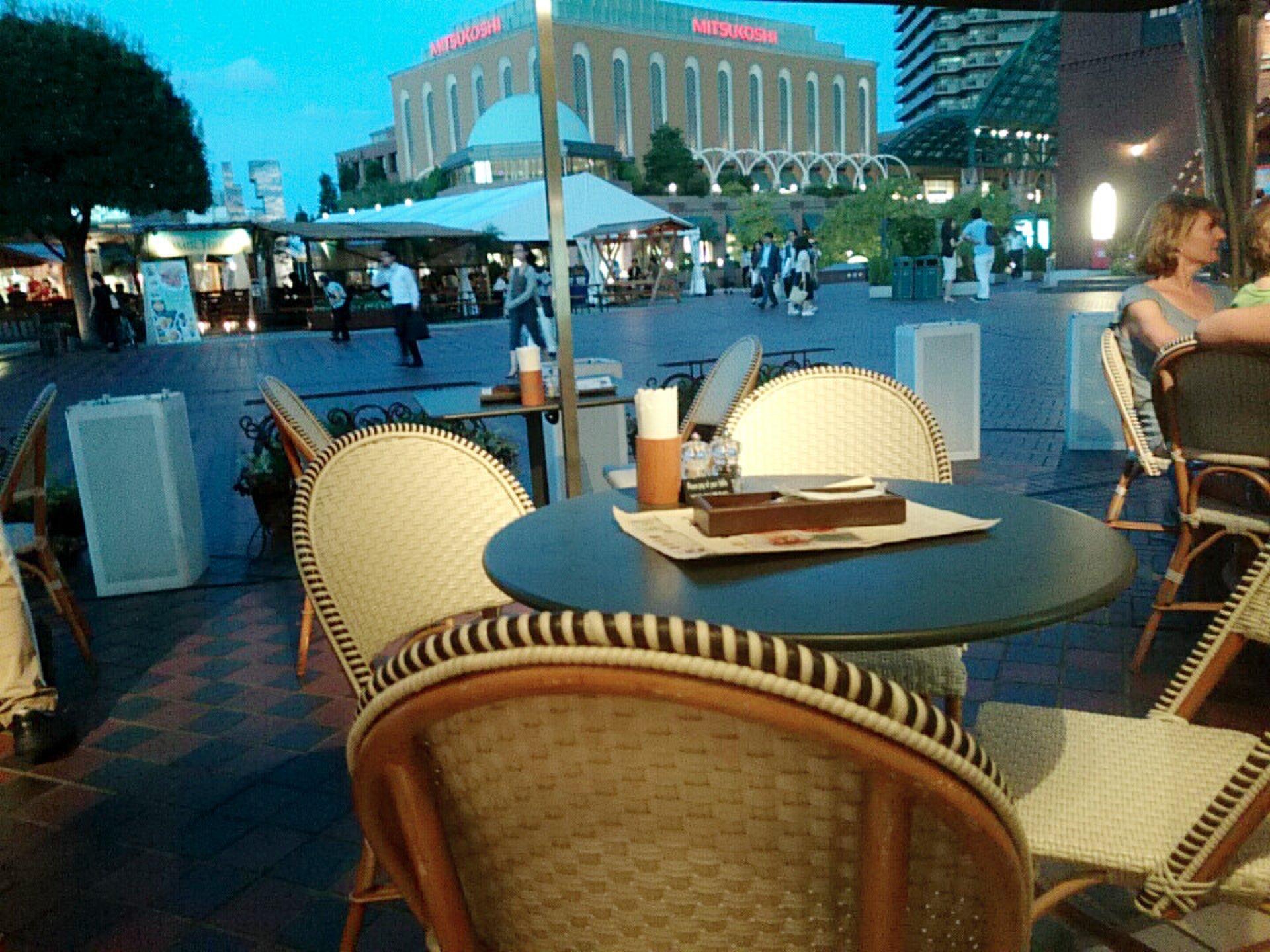 恵比寿で海外カフェバー巡り。テラスつきでパリ&NY気分! 夜カフェデートや女子会に。