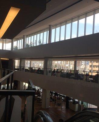 大和市立図書館