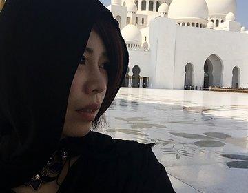 豪華すぎる世界最大級のグランドモスクの大理石の床でデジカメ落としたら壊れた。ドバイのアブダビ