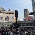 渋谷駅前 スクランブル交差点 (The Shibuya Crossing)