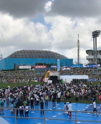 沖縄市陸上競技場