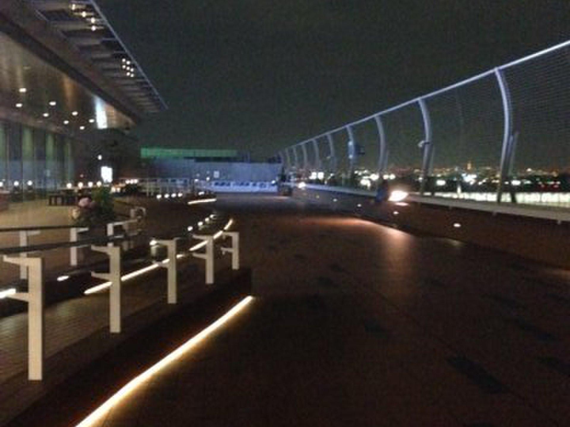 【羽田空港で夜景イルミネーションデート】クリスマスデートにおすすめスポット!