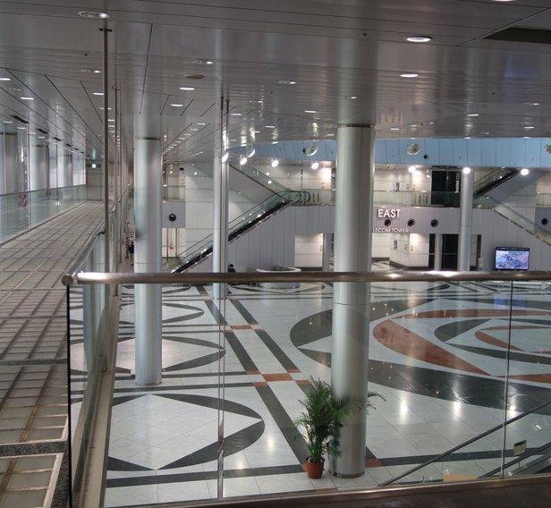 テレコムセンター駅 (Telecom Center Sta.) (U09)