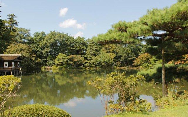 兼六園 (Kenroku-en Garden)